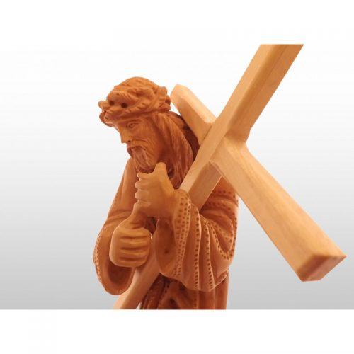 Jesus cargando la Cruz, hecho a mano de madera de olivo-332